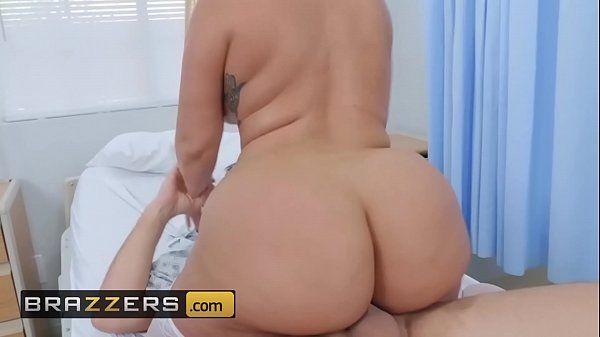 Filme porno da Brazzers com linda rebolando gostoso no pau do dotado dentro da enfermaria