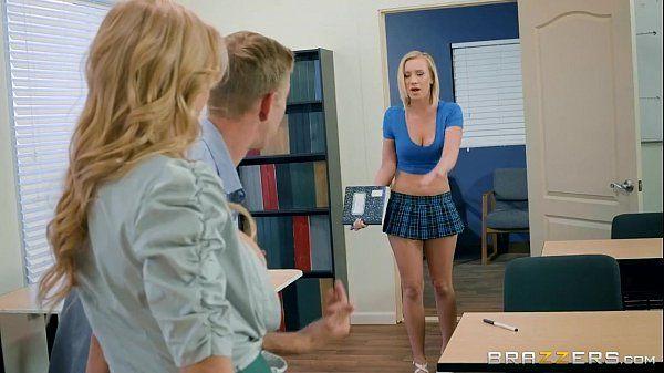 Brazzers – Porno na escola