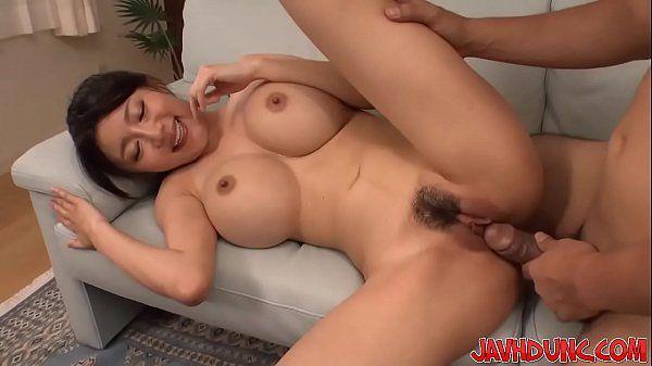 Novinha asiatica metendo de ladinho bem gostoso