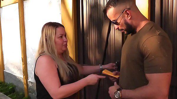 Novinha Fodeu com o amigo da mãe no porno brasileiro
