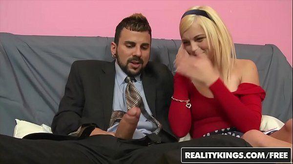 Redtube Loira gostosa mamando o namorado e sentando gostoso