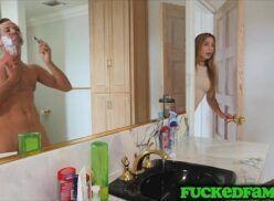 Enteada piranha do xnxx dando pro padrasto pauzudo no banheiro e ganhando leite no rosto