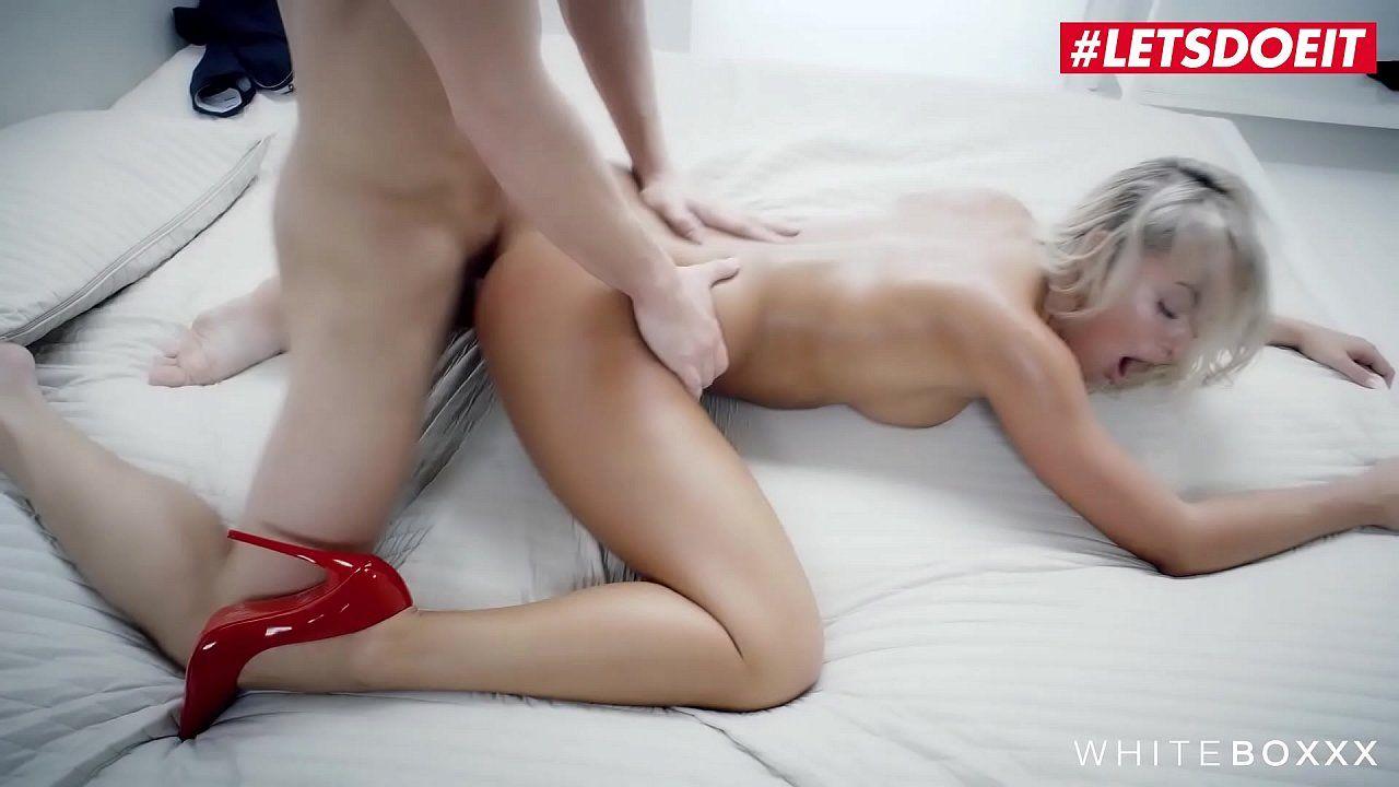 comendo a esposa novinha viciada em sexo bem gostoso