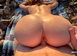 Sexo anal gostoso com ruiva cavalona ao ar livre