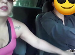 Drtuber loira gostosa fudendo no pêlo com o uber sortudo