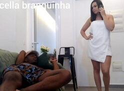 Video de sexo amador de casada dando pro negro dotado enquanto o corno saiu